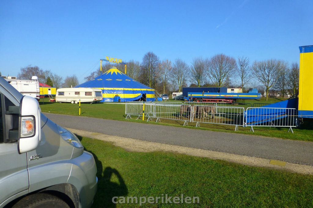 Circus op de camperplaats in Goch