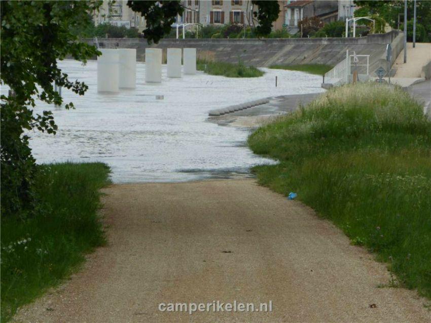 Hoog water in de Rhône