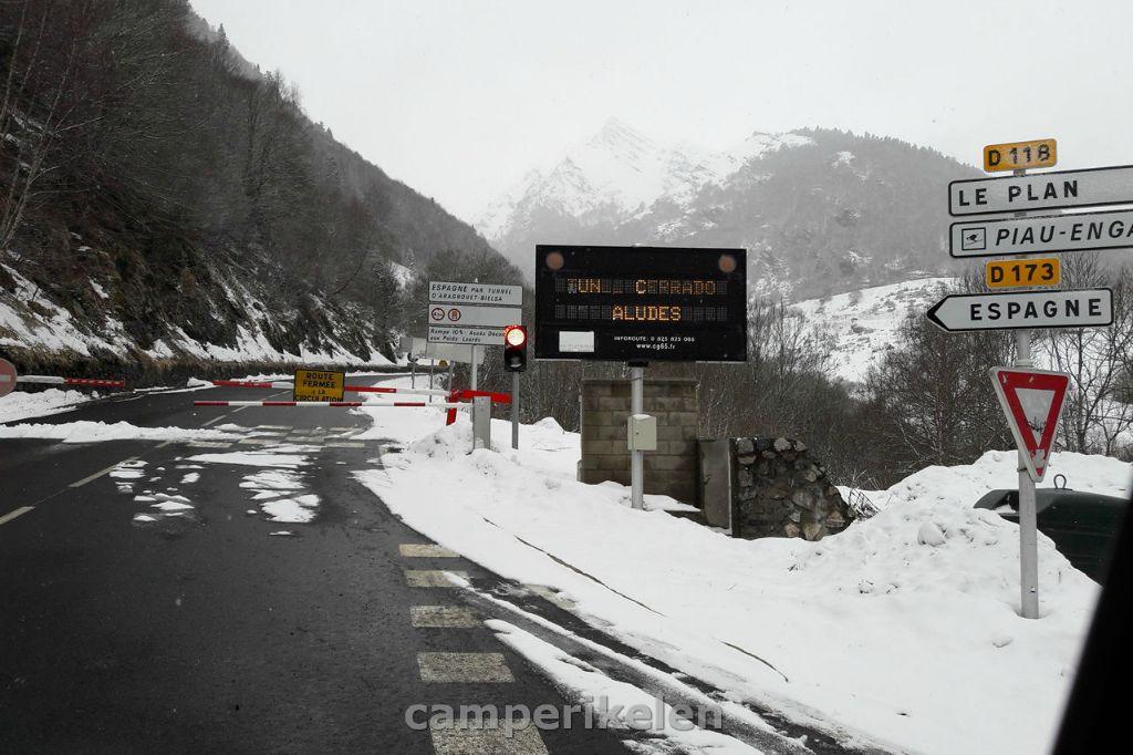 Weg afgesloten naar Bielsa tunnel