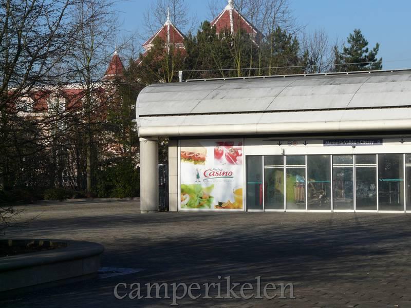 """""""Casino"""" winkeltje achter het station"""
