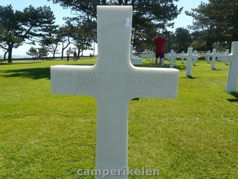 Hier ligt een onbekende soldaat begraven