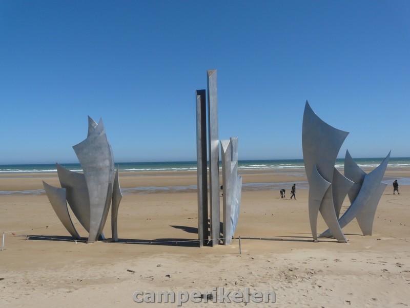monument Les Braves op Omaha beach
