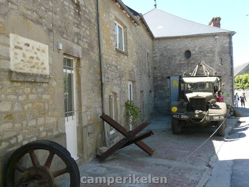 Een oude legerauto