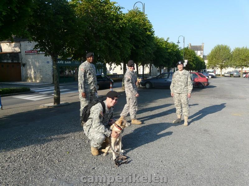 Amerikaanse soldaten met Trisha