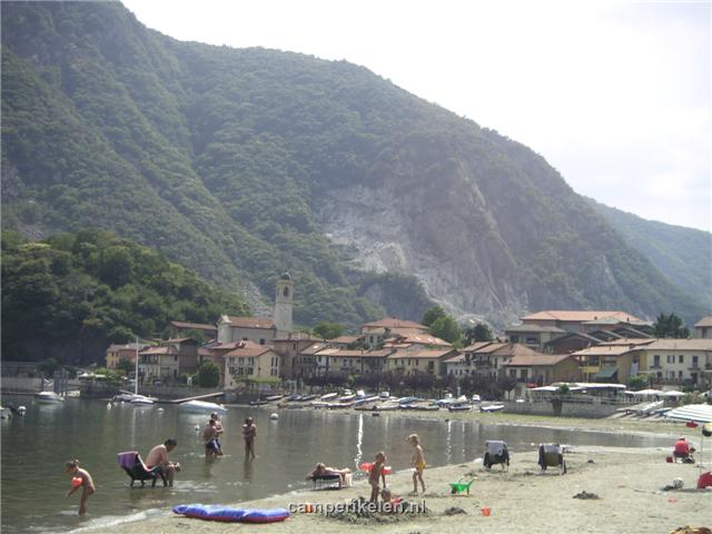 Uitzicht op Feriolo