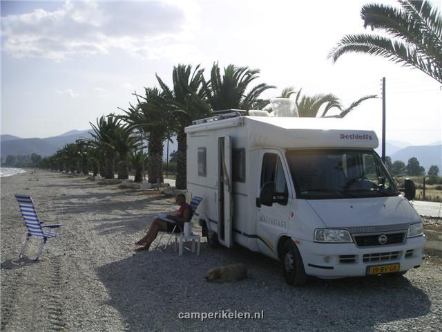 Aan het strand in Nea Kios