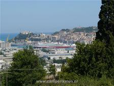 Uitzicht op de haven van Ancona