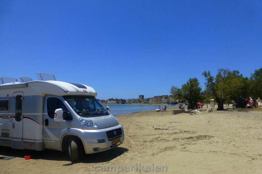 Op het strand in Methoni