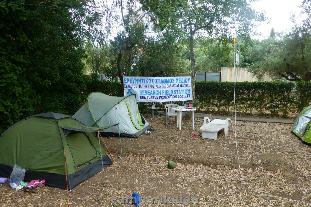 Schildpadden redders op camping Koroni