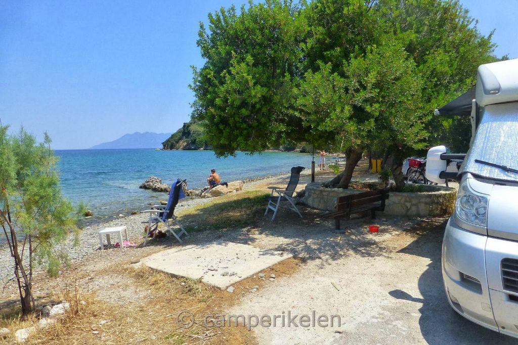 Aan het strandje bij Palea Epidavros