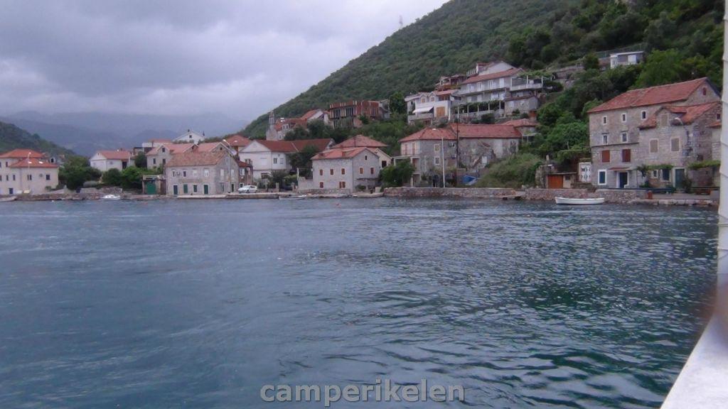 Oversteek Meer van Kotor