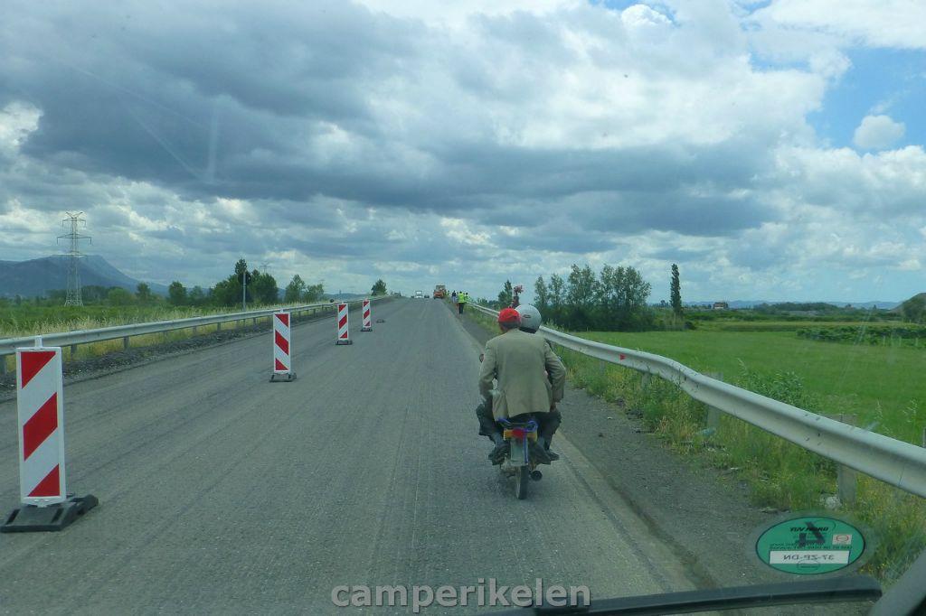 Met de brommer op de snelweg