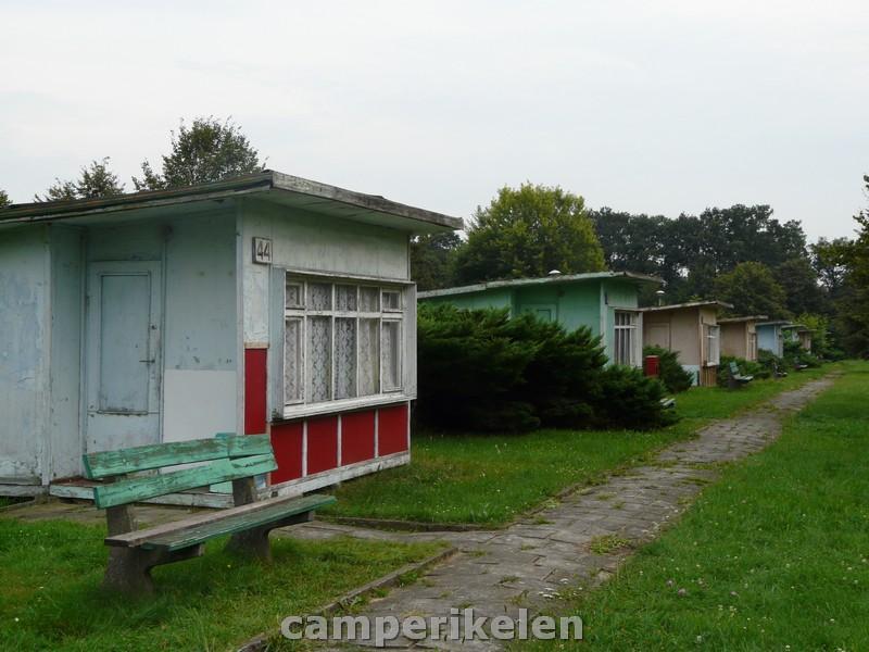 Bouwvallige huisjes op de camping