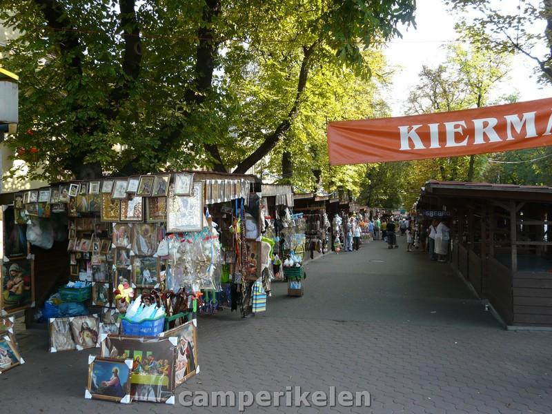 Veel kraampjes voor de toeristen