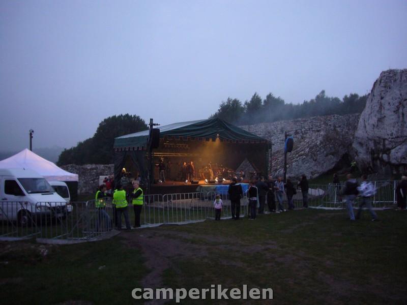 Muziekfeest bij Ogrodzieniec