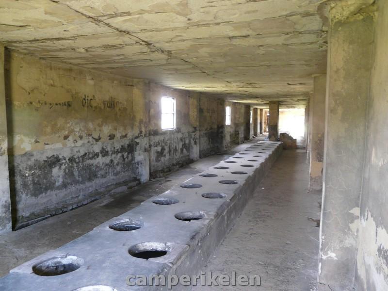 Sanitair barak in Auschwitz