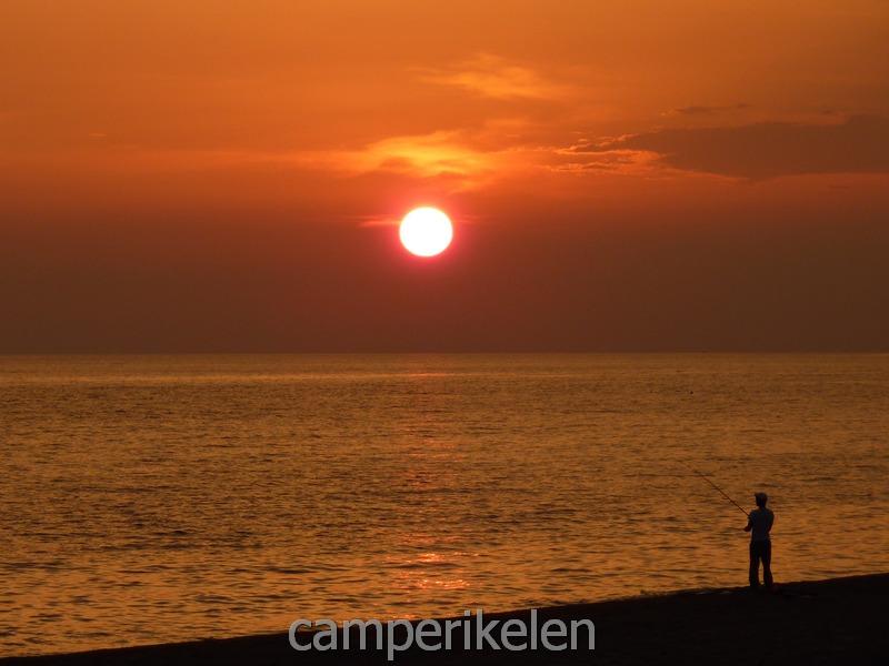 Zonsondergang aan Kanali Beach