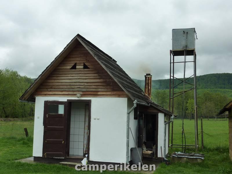 Toiletgebouw camping Poieni