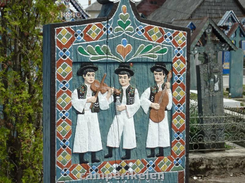 """""""vrolijke kerkhof"""" van Săpânţa"""